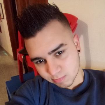 Henyerson, 22, Barinas, Venezuela