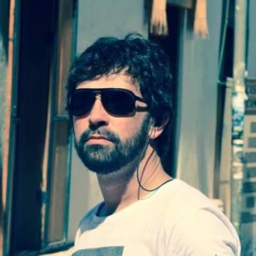 Rafael Dupont, 43, Porto Alegre, Brazil