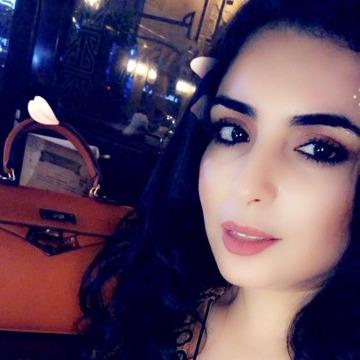 Iman, 30, Dubai, United Arab Emirates