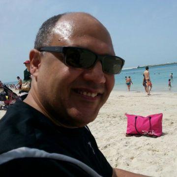 Amro, 52, Abu Dhabi, United Arab Emirates
