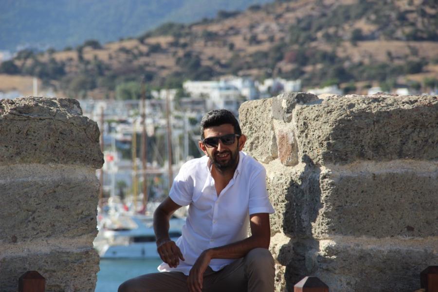 Mutlu Emre, 31, Istanbul, Turkey