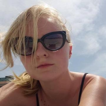 Julie, 26, Eau Claire, United States