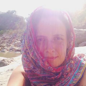 Ana Barbara Iglesias, 37, Bien Hoa, Vietnam