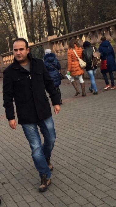 Hakan, 41, Izmir, Turkey