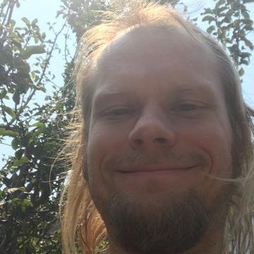 Dan McClure, 34, Oakland, United States