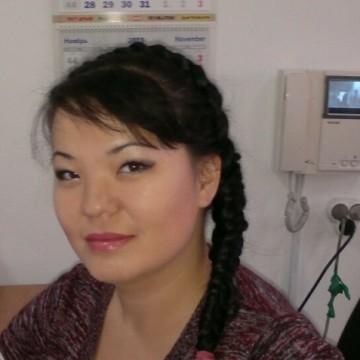Aykerim, 32, Almaty, Kazakhstan