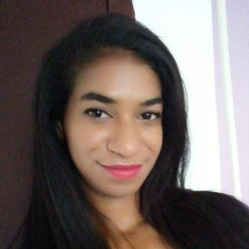 Bárbara, 24, Porto Alegre, Brazil