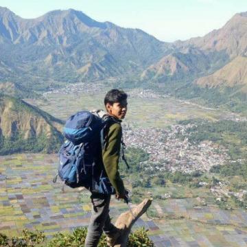 Tio sambuaga, 23, Mataram, Indonesia