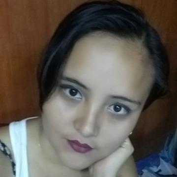 Paola, 25, Lima, Peru