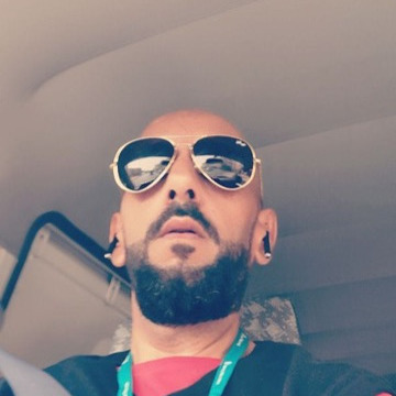 Nabeel Al Ngar, 33, Bishah, Saudi Arabia