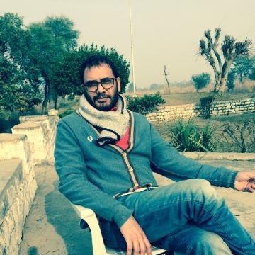 Choudhry, 44, Lahore, Pakistan