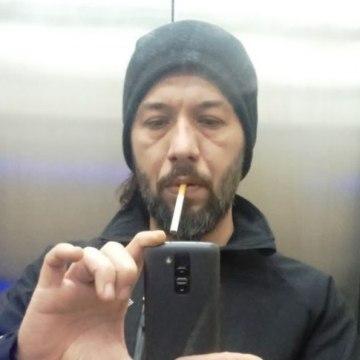 Robertt Halford, 41, Istanbul, Turkey