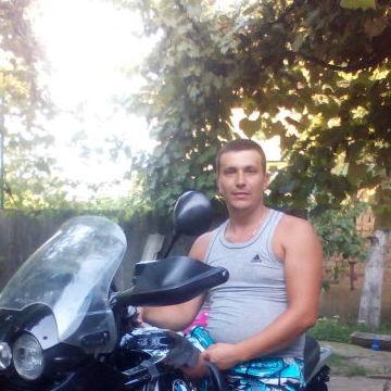 Виталий, 30, Mukacheve, Ukraine