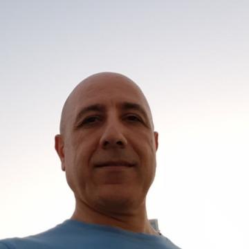 Paul, 45, Doha, Qatar