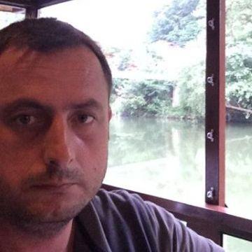 Aslan Demir, 35, Istanbul, Turkey