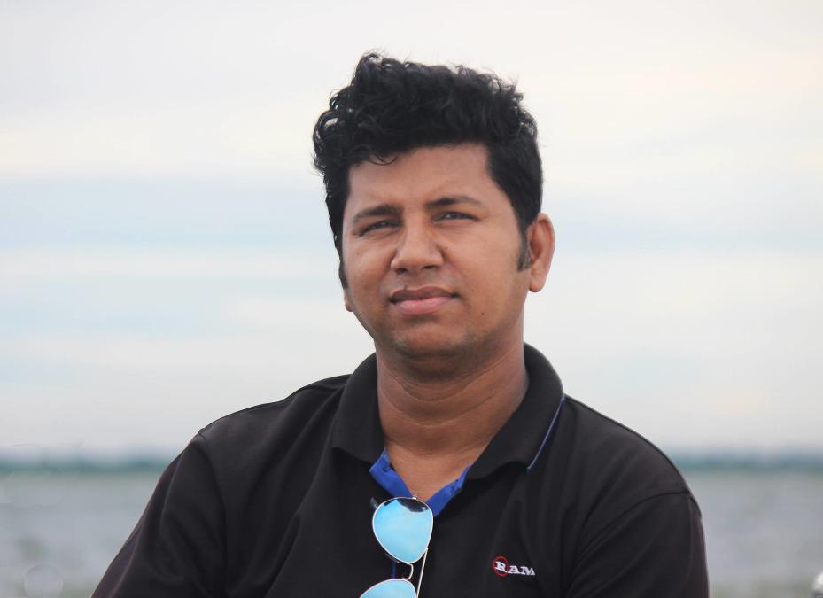 Onkon, 31, Dhaka, Bangladesh