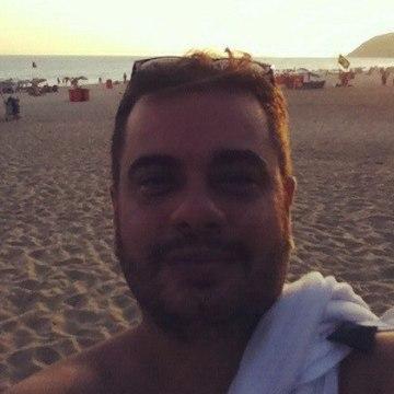 Jacques Carvalho, 41, Londrina, Brazil