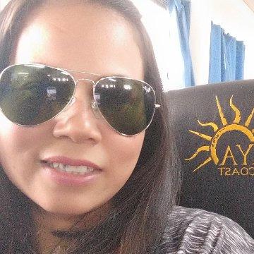 Rhea Soya, 35, Binangonan, Philippines