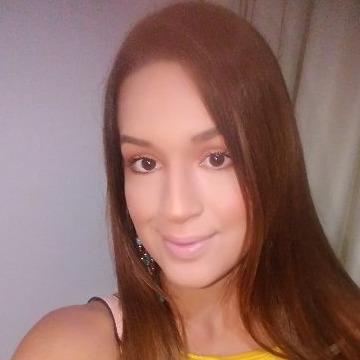 Claudi, 24, Dubai, United Arab Emirates