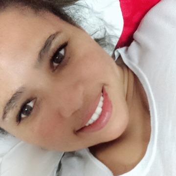 Patrícia Santos, 34, Vila Velha, Brazil