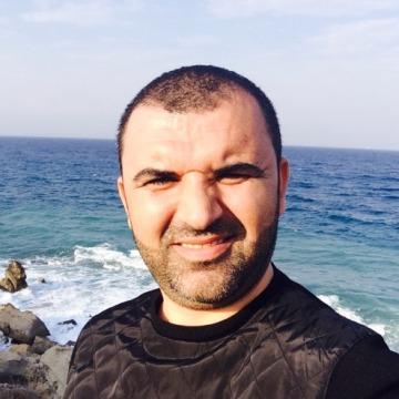 Aydın Öztürk , 34, Istanbul, Turkey