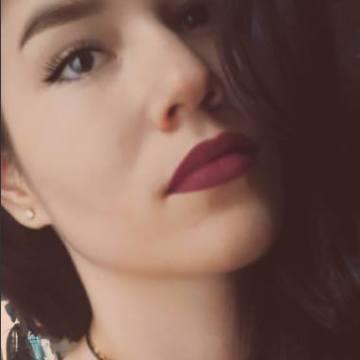 Paola, 20, Cali, Colombia