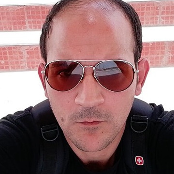 Adam Zinc, 31, Abu Dhabi, United Arab Emirates