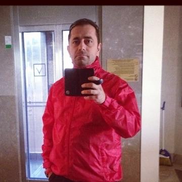 Hakan, 39, Izmir, Turkey
