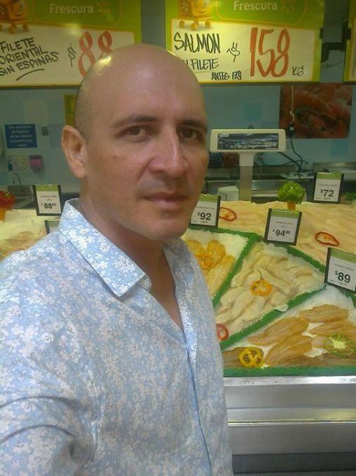 Raúl Olmos, 52, Veracruz, Mexico