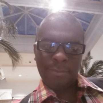 Derrick Hendrix, 36, Victorville, United States