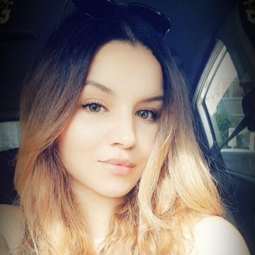 Meriem, 24, Casablanca, Morocco
