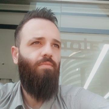 Muhaimen, 33, Dubai, United Arab Emirates