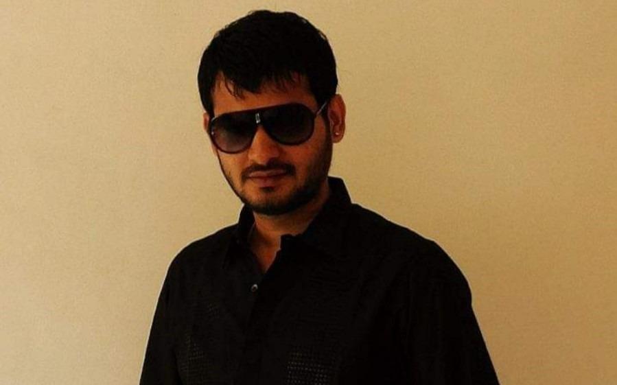 Ronit B, 29, Mumbai, India