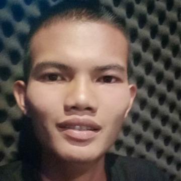 Nakin Silueang, 24, Bangkok, Thailand