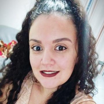 Renata Xavier, 22, Cotia, Brazil