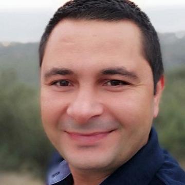 Sertaç Arat, 30, Izmir, Turkey