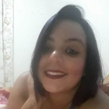 Juliane Moraes, 30, Cabo Frio, Brazil