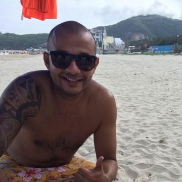 Daniel, 36, Guangzhou, China