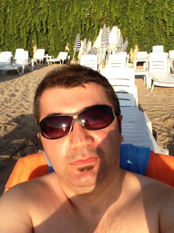 Dennis, 39, Izmir, Turkey