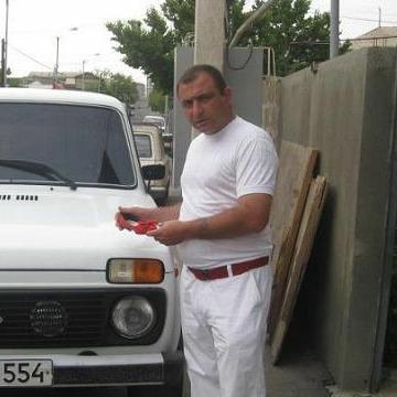 Arman  Sargsyan, 40, Yerevan, Armenia