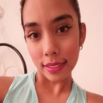 Silvia Santos, 24, Bucaramanga, Colombia