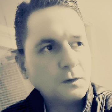 Özcan Sarıtaş, 43, Istanbul, Turkey
