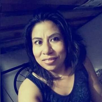 Luz, 35, Dubai, United Arab Emirates
