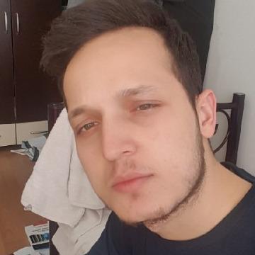 İbrahim, 22, Istanbul, Turkey