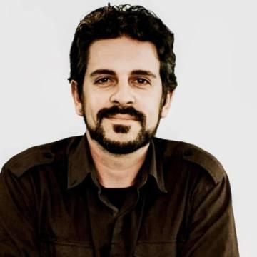 Bernardo Correa Corrêa, 39, Lima, Peru