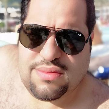 Zues, 34, Riyadh, Saudi Arabia