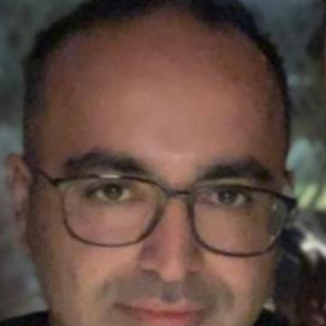 Hasan, 36, Dubai, United Arab Emirates