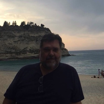 Buga Hildebrand, 54, Sao Paulo, Brazil