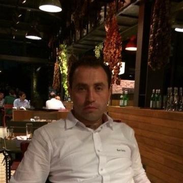 İsmail Deniz, 44, Istanbul, Turkey