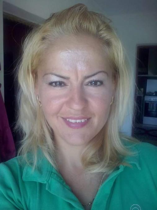 Rachelle, 43,